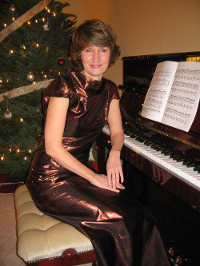 Tanya Otto and piano at Above Piano Lessons Studio in Clearview, WA